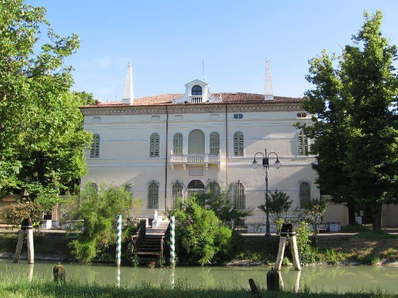 April - Brenta Canal villa