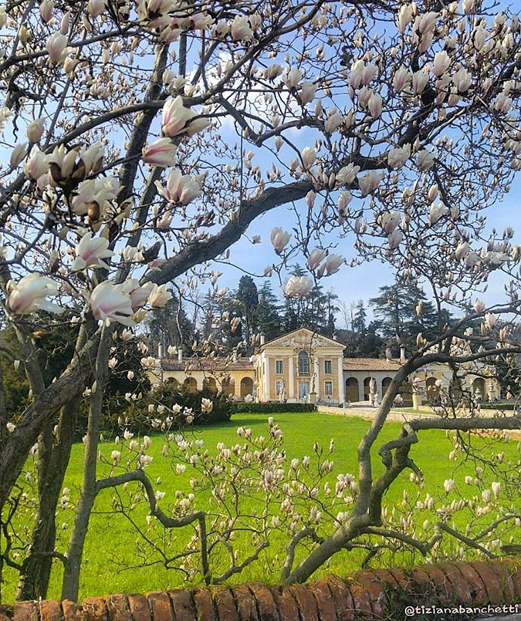 April - Villa Barbaro, Maser - photo courtesy of Tiziana Banchetti