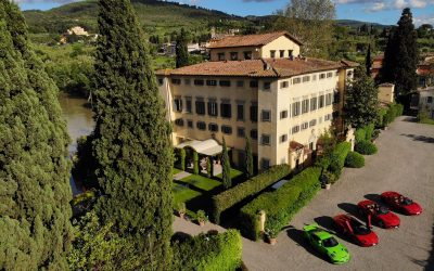 Four beauties in a row - Ferrari, Porsche, Lamborghini - Villa La Massa, Firenze, Toscana - www.grand-tourist.com