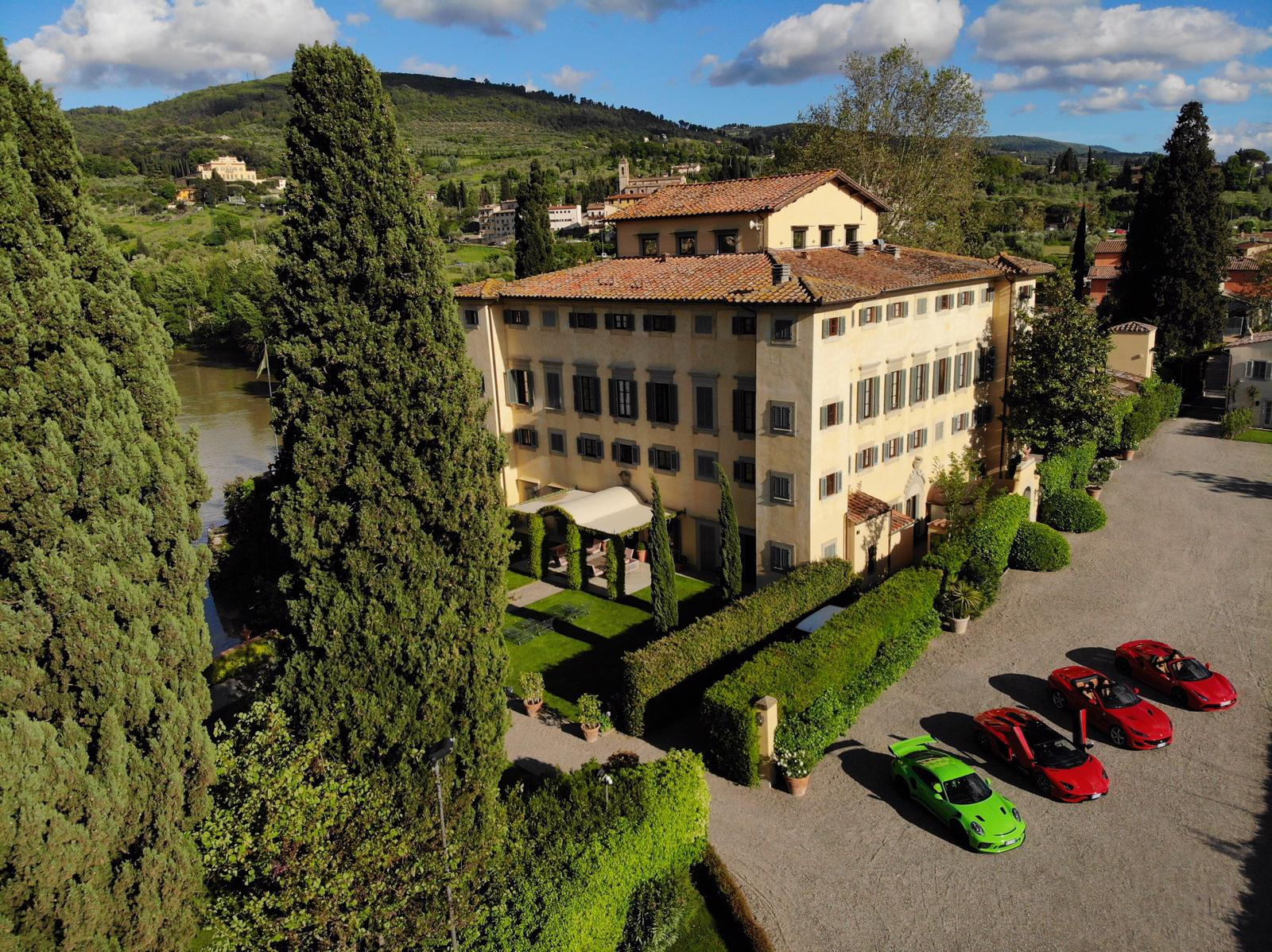 Drive a Ferrari in Italy – Tuscany